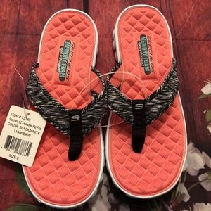 NWT SKECHERS EZ FLEX LADIES FLIP FLOPS - 8